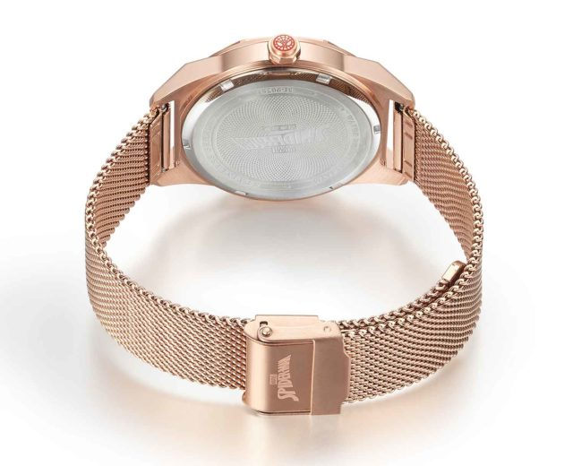 rose gold stainless steel mesh strap watch detail